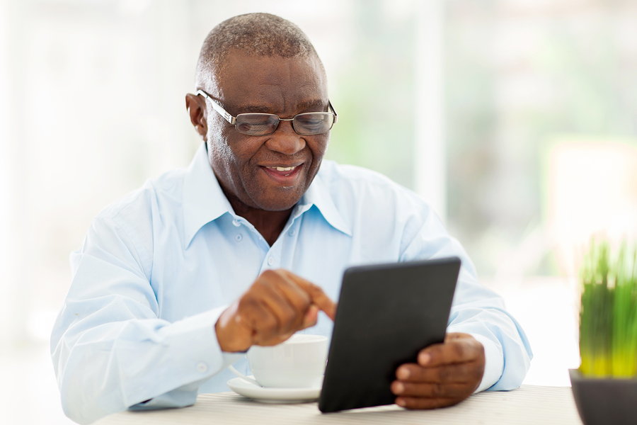 Should Your Elderly Parent Use Social Media?