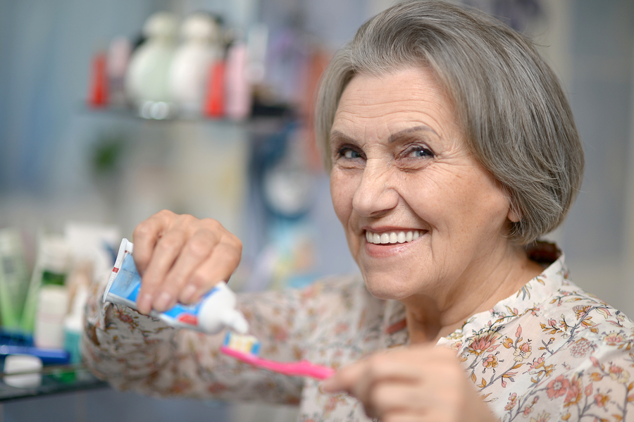 5 Oral Issues That May Interrupt a Senior's Life